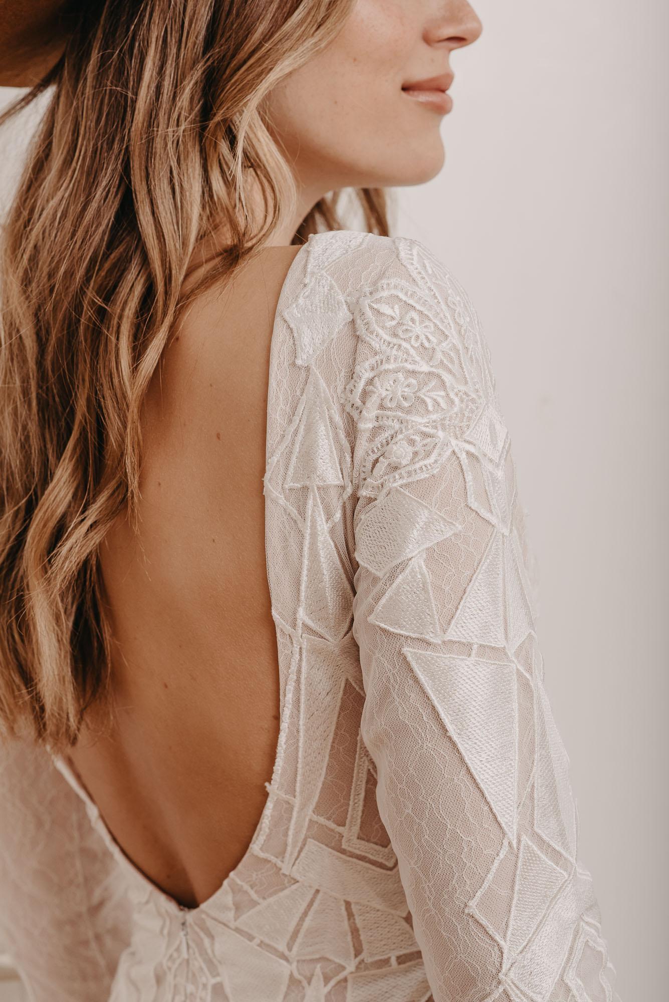 Aloe Brautkleid Rückenausschnitt - Brautmode von Oonce