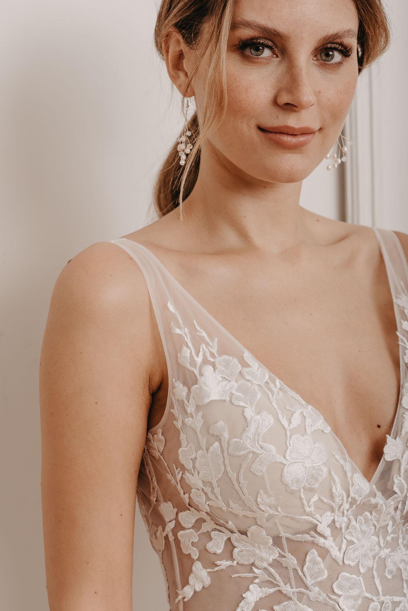 Ginkgo Brautkleid Ausschnitt - Brautmode von Oonce