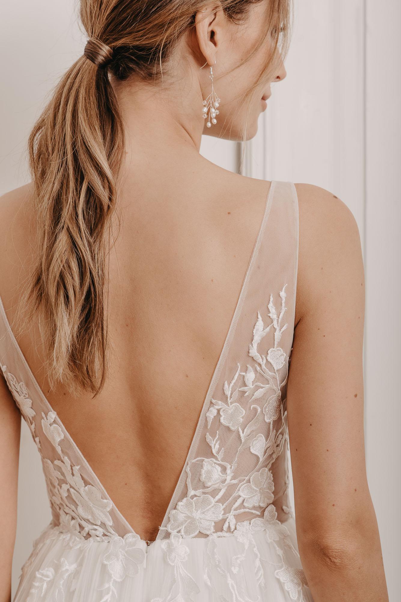 Ginkgo Brautkleid Rückenausschnitt - Brautmode von Oonce
