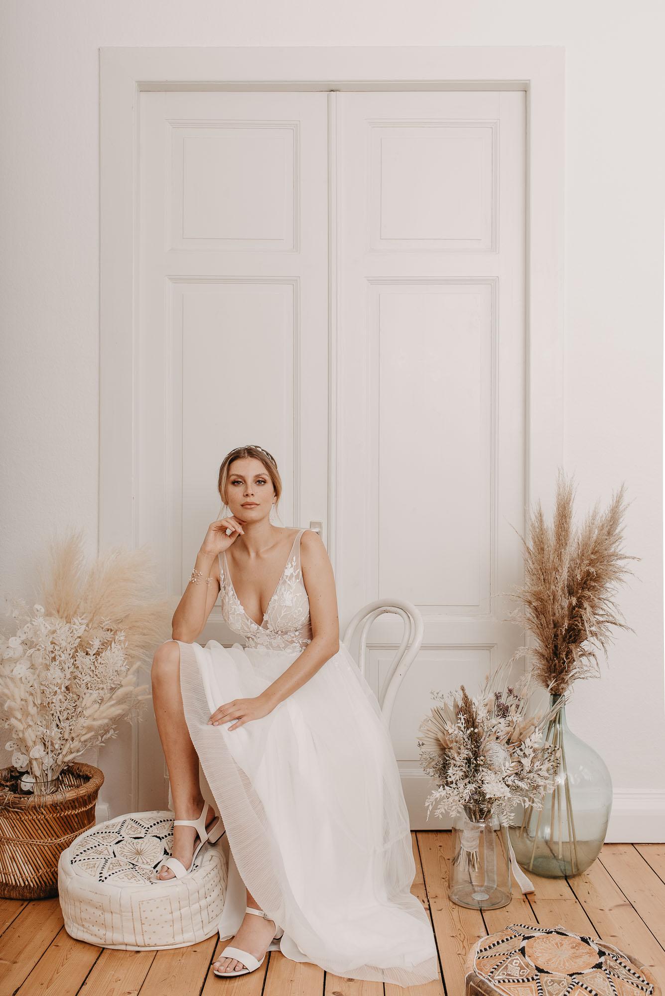 Ginkgo Brautkleid Sitzend - Brautmode von Oonce