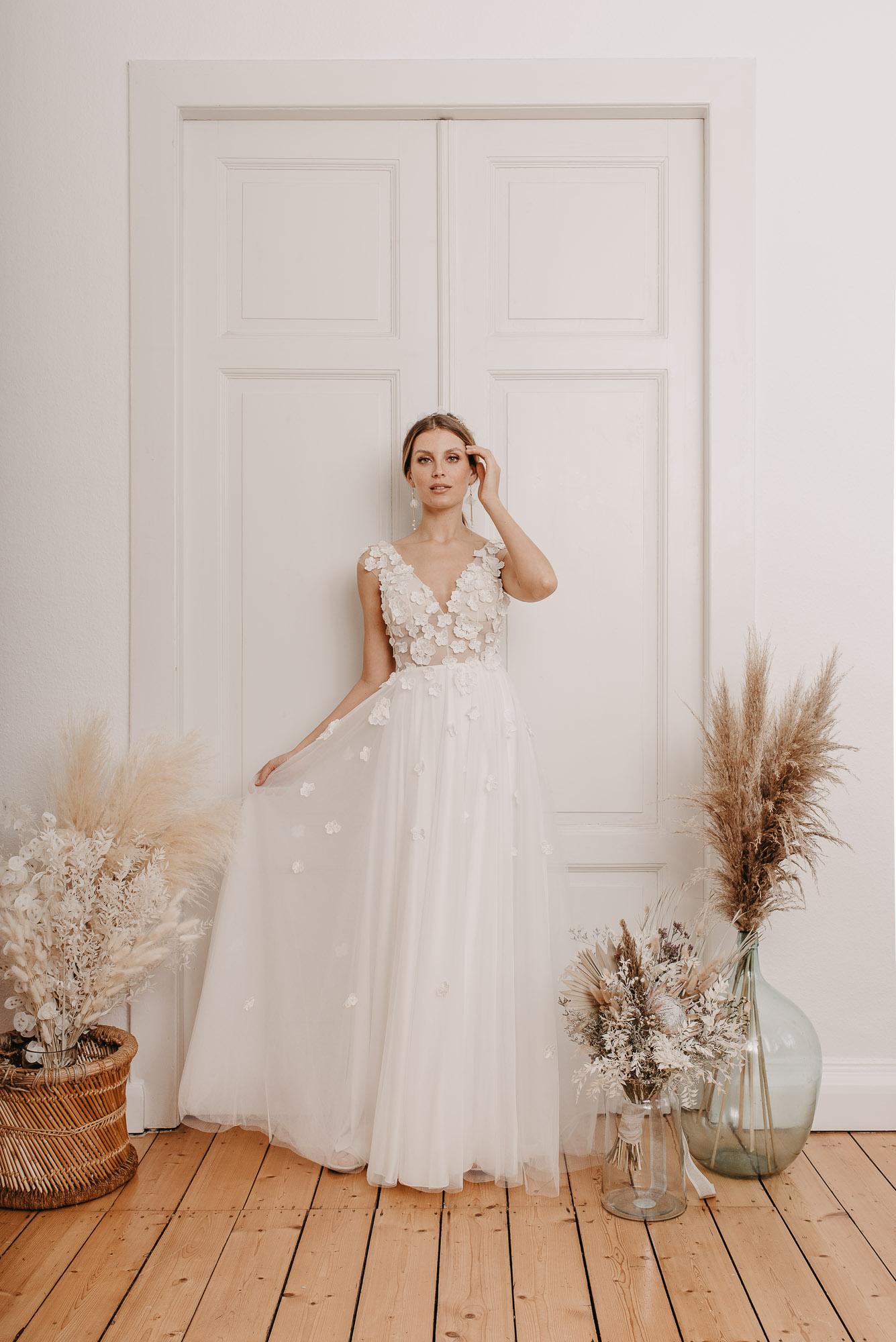 Lovage Brautkleid Vorne - Brautmode von Oonce