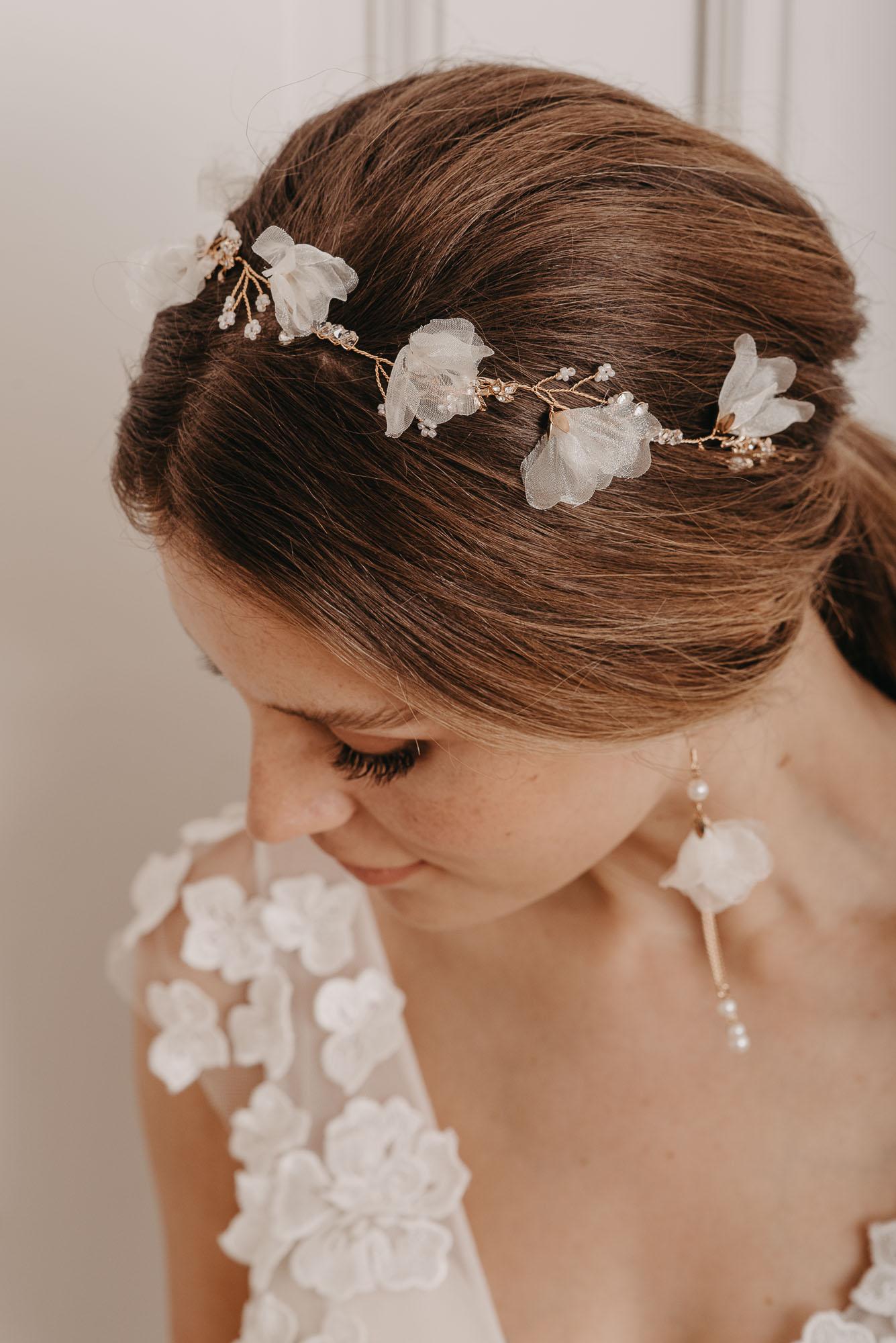 Coral Haarband und Heather Ohrringe - Brautschmuck von Oonce