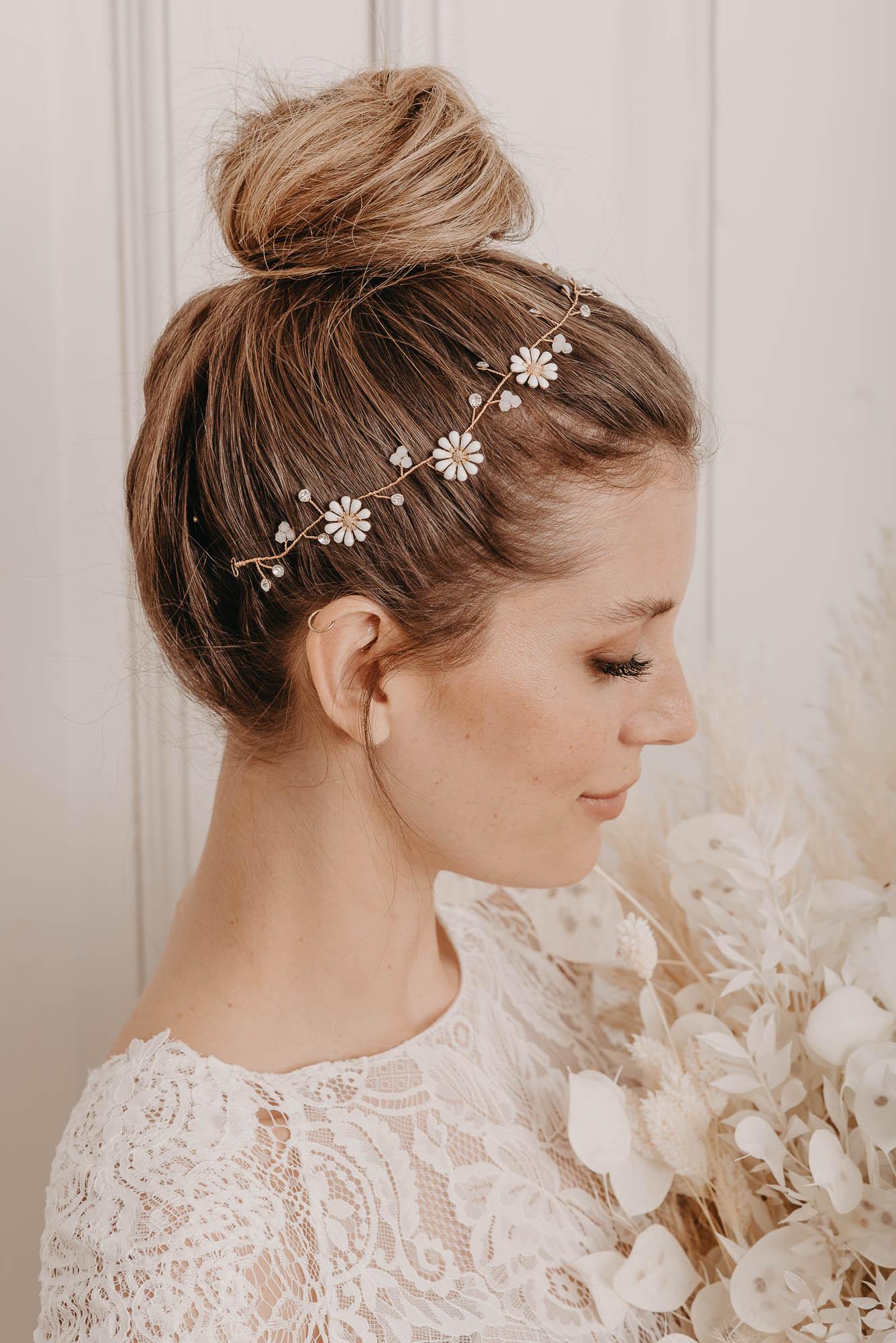 Daisy Haarband Seite - Boho Brautschmuck von Oonce