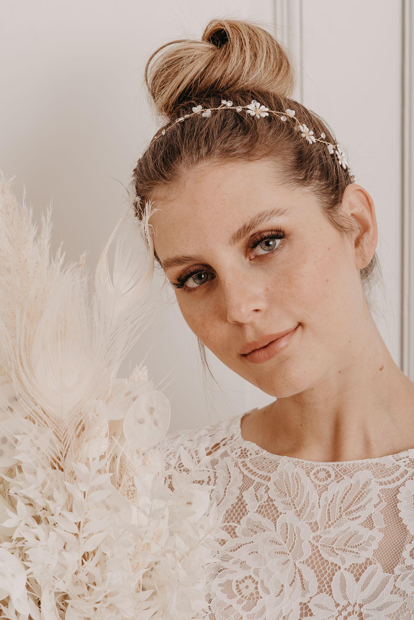 Daisy Haarband - Boho Brautschmuck von Oonce